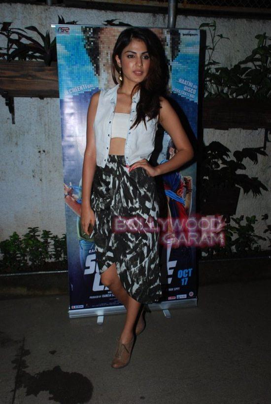 Sonali cable special screening_rekha_varun dhawan-11
