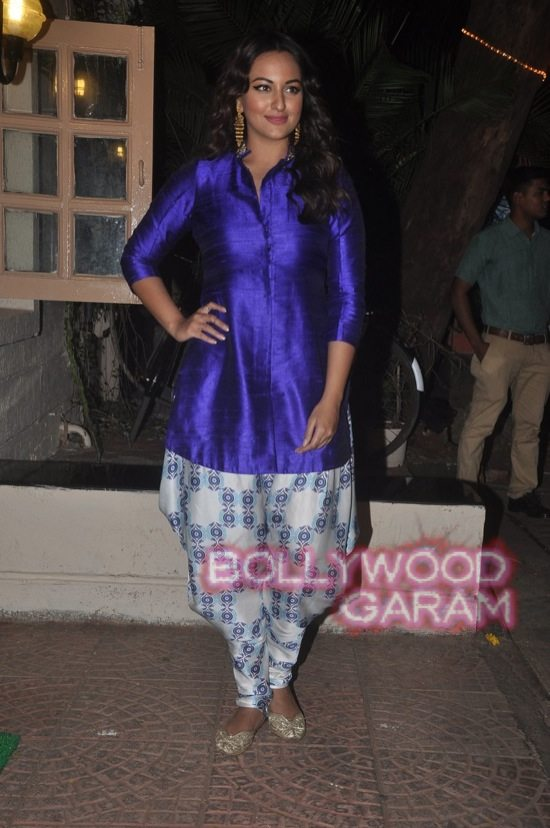 Stars at diwali bash ekta kapoor-18