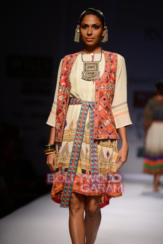 Tanvi K WIFW 2015 collection-1