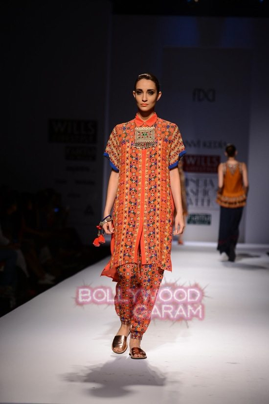 Tanvi K WIFW 2015 collection-4