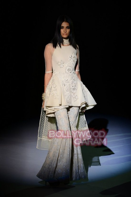 Vineet B_WIFW 2015 collection karva chauth-0