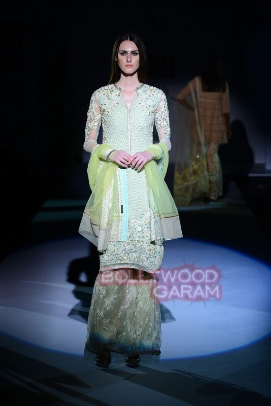 Vineet B_WIFW 2015 collection karva chauth-10