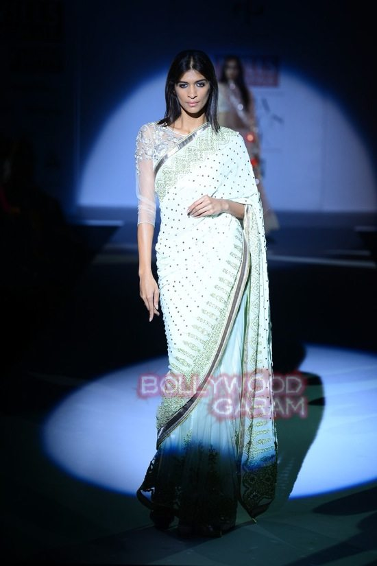 Vineet B_WIFW 2015 collection karva chauth-11