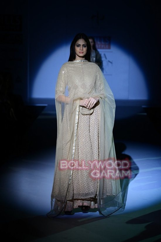Vineet B_WIFW 2015 collection karva chauth-13