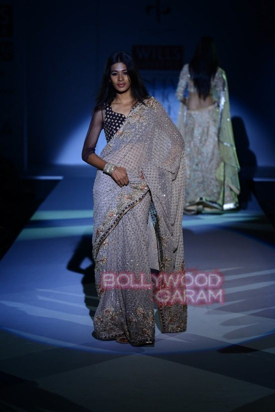 Vineet B_WIFW 2015 collection karva chauth-17