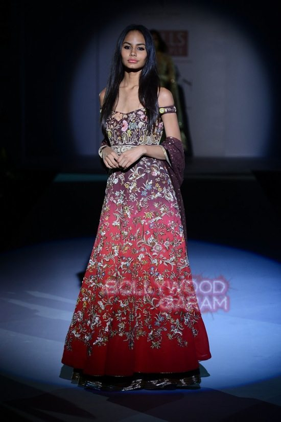 Vineet B_WIFW 2015 collection karva chauth-19