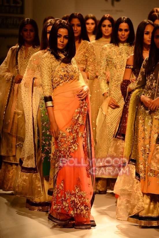 Vineet B_WIFW 2015 collection karva chauth-22