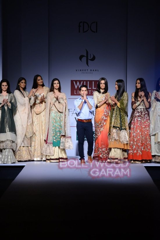 Vineet Bahl_WIFW 2015 collection karva chauth-23