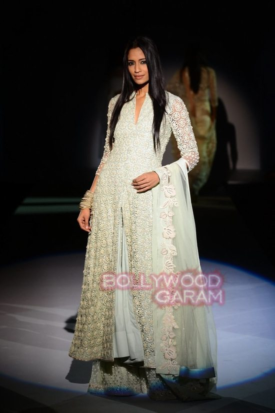 Vineet B_WIFW 2015 collection karva chauth-3
