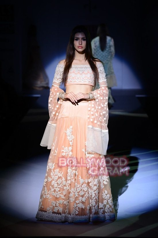 Vineet Bahl_WIFW 2015 collection karva chauth-6