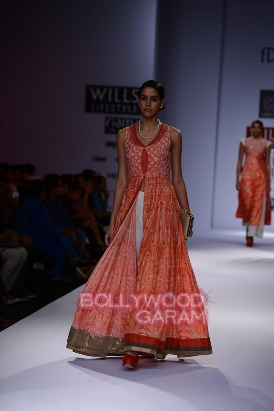 Virtues_WIFW 2015-15