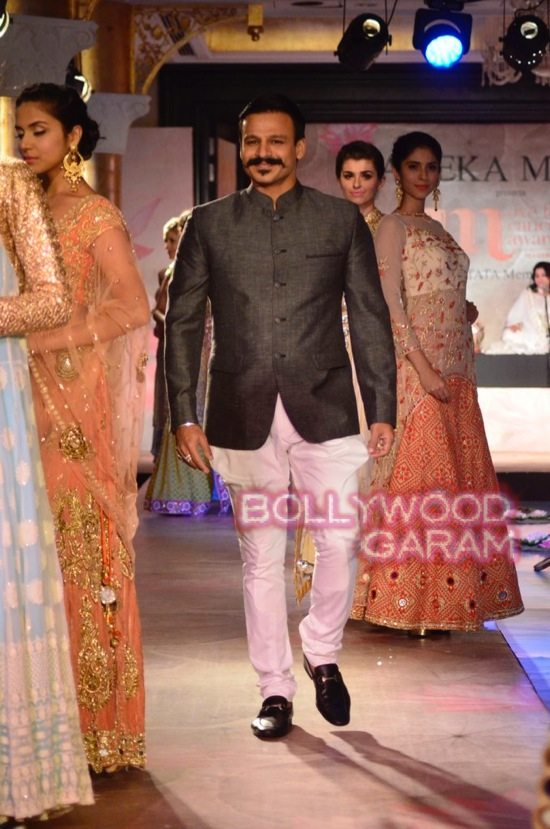 Vivek and Parvathy walk the ramp for a cause-1