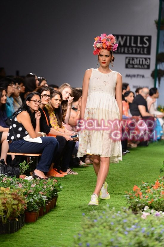 Wills Lifestyle India Fashion-3