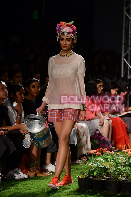 Wills Lifestyle India Fashion-8