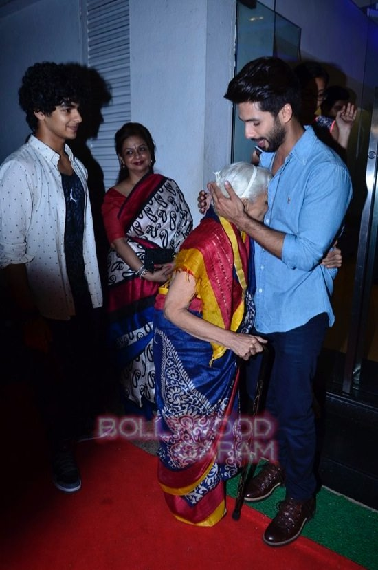 celebs at haider screening-18