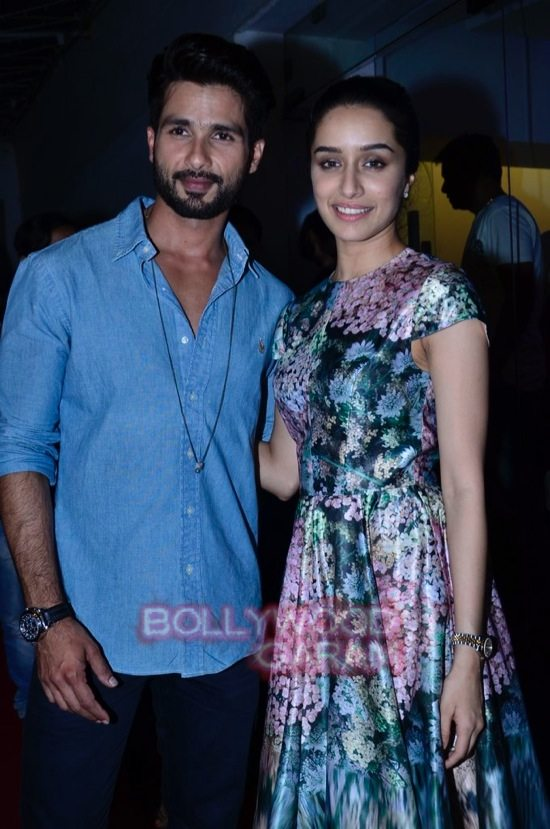 celebs at haider screening-20