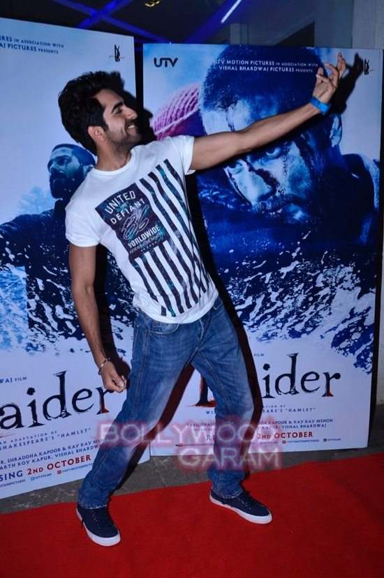 celebs at haider screening-5
