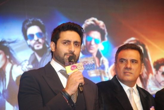 shahrukh khan_deepika padukone_Boman Irani_abhishek bachchan HNY trailer-4