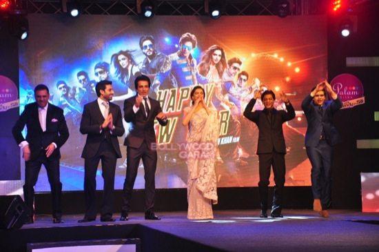 shahrukh khan_deepika padukone_Boman Irani_abhishek bachchan HNY trailer-7