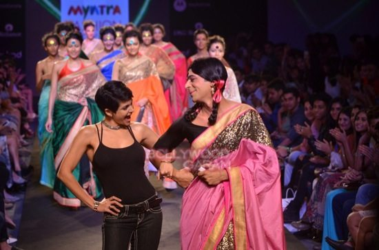 sunil grover gutthi myntra Fashion -8