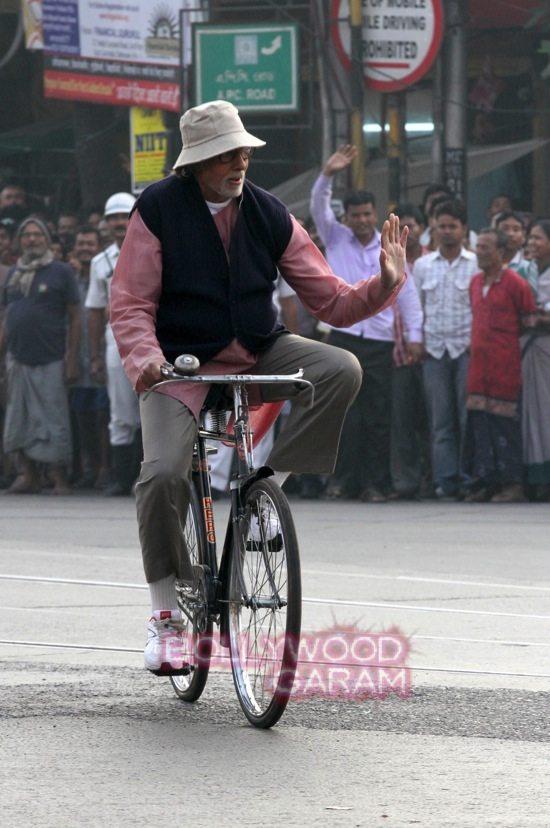 AMitabh Bachchan_Deepika Padukone_irrfan khan movie_-2