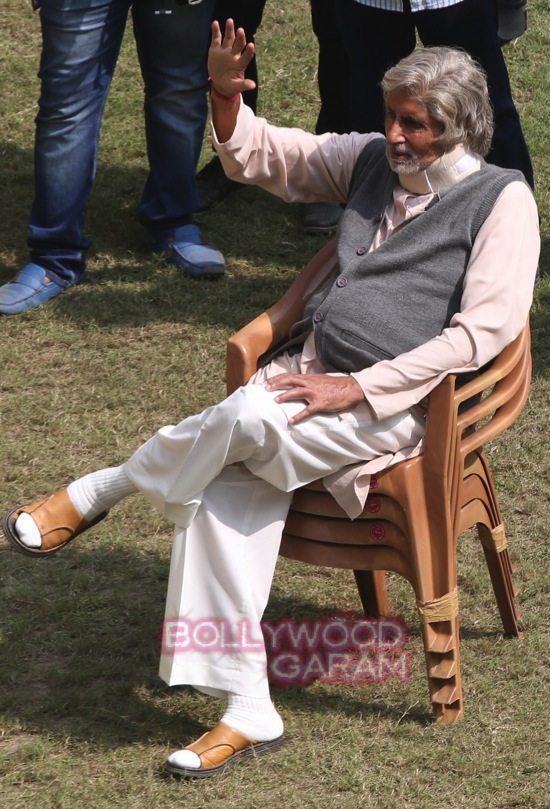 AMitabh Bachchan_Deepika Padukone_irrfan khan movie_-9