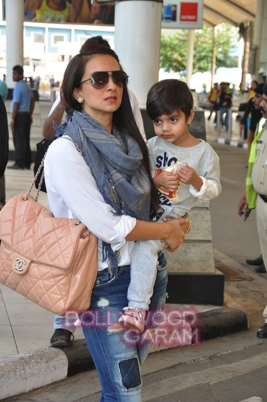 Arpita K wedding_Salman khan family_Mumbai airport-2