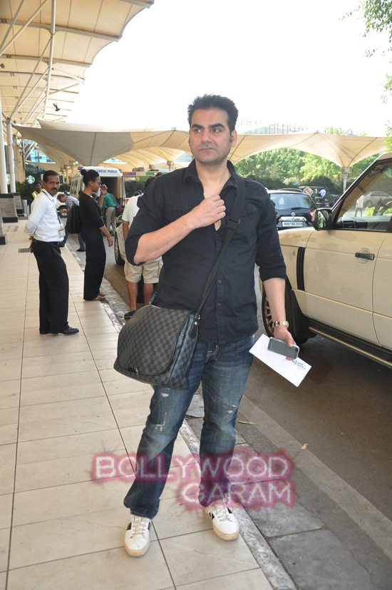 Arpita K wedding_Salman khan family_Mumbai airport-4