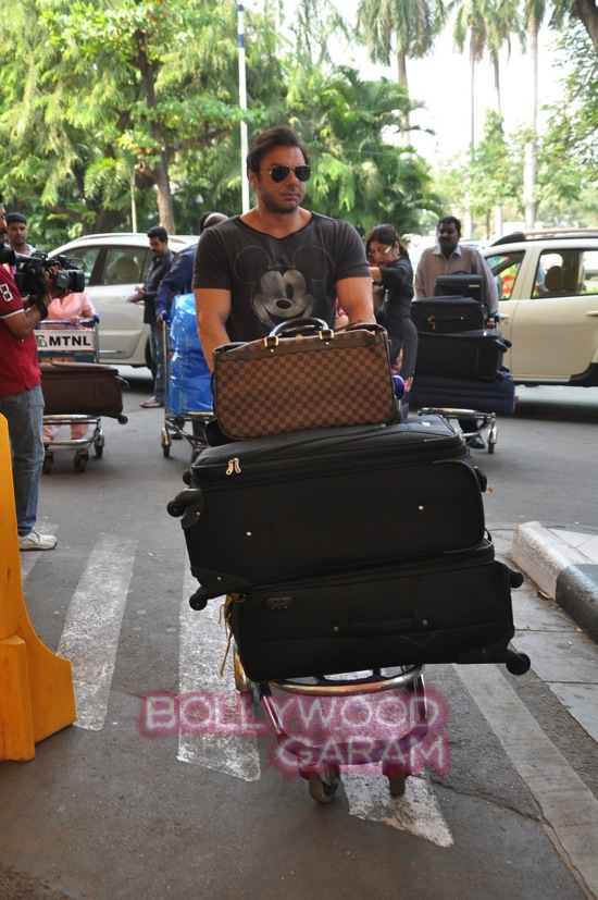 Arpita K wedding_Salman khan family_Mumbai airport-5