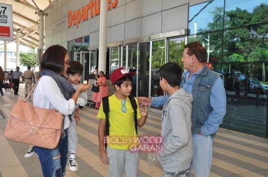 Arpita K wedding_Salman khan family_Mumbai airport-7