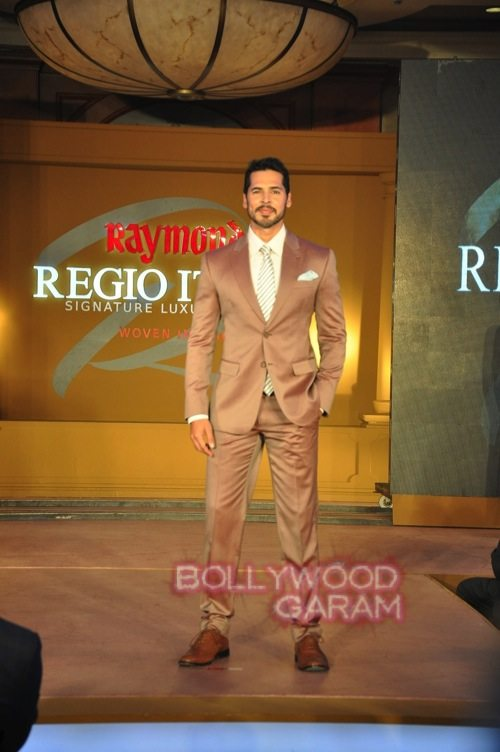 Dino Morea_Raymond launch-4