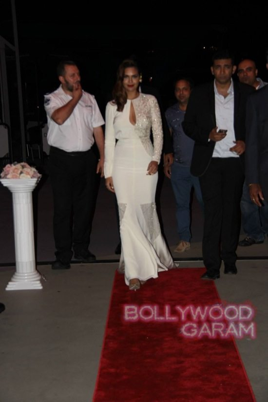Esha Gupta at IFEFA opening-1