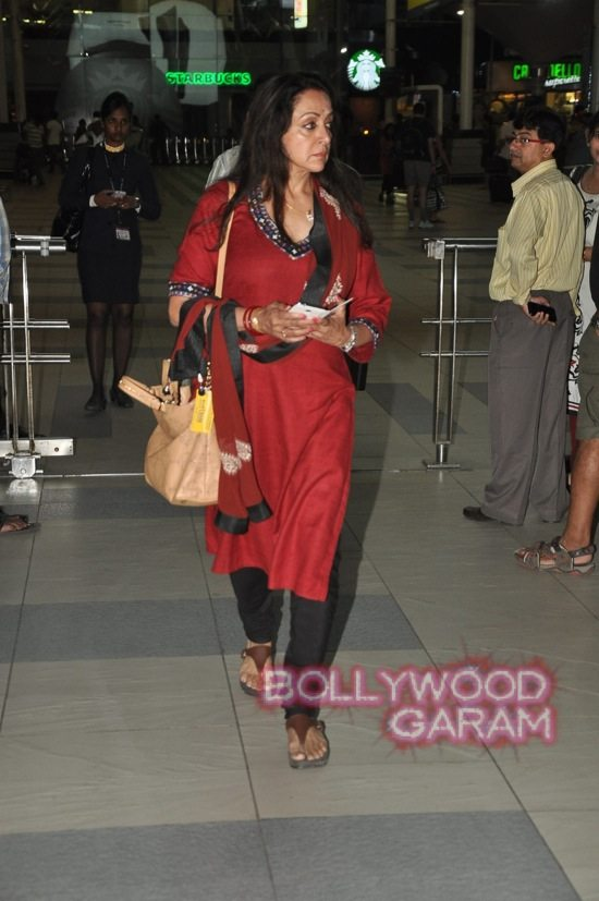 Hema Malini and Aishwarya rai at airport-1