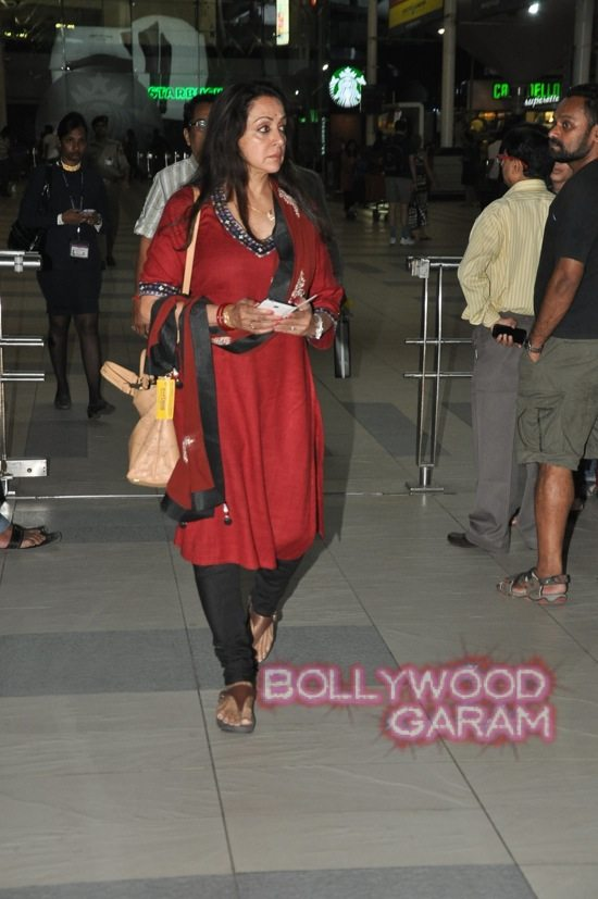 Hema Malini and Aishwarya rai at airport