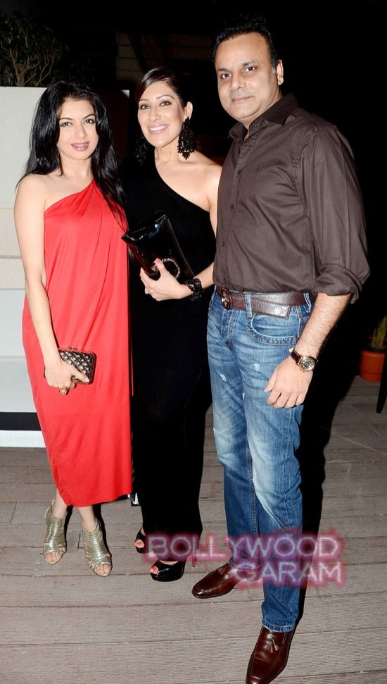 Isha Koppikar at Mahika Mirpuri birthday bash-1
