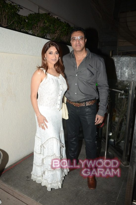 Isha Koppikar at Mahika Mirpuri birthday bash-4