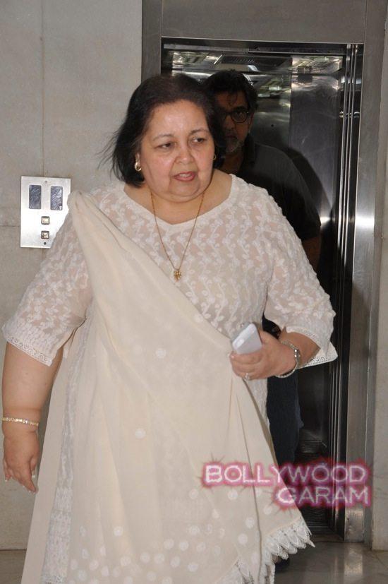 Juhi Chawla and Pamela Chopra-2