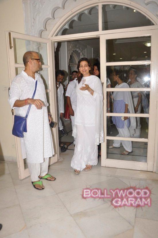 Juhi Chawla and Pamela Chopra-3