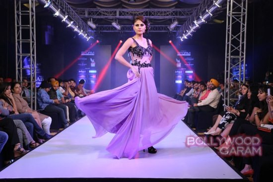 Koena Mitra showstopper AD Singh -2