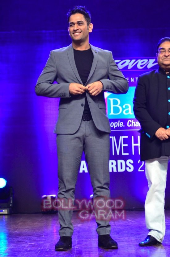 MS Dhoni and Zaheer Khan_positive health awards-11