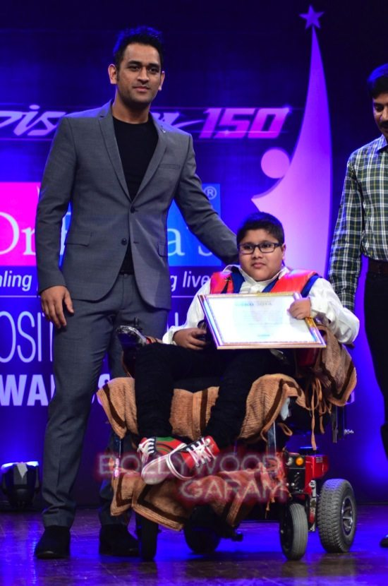 MS Dhoni and Zaheer K_positive health awards-12
