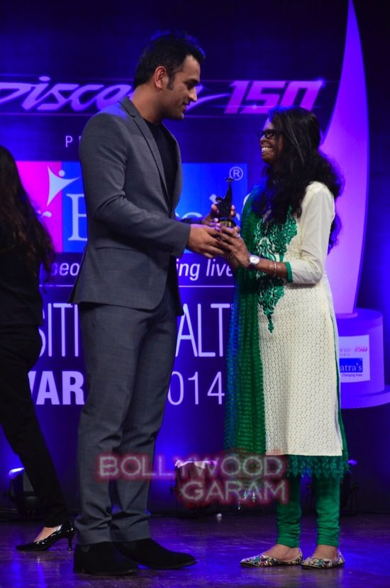 MS Dhoni and Zaheer K_positive health awards-15