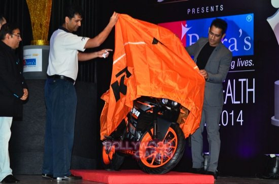 MS Dhoni and Zaheer K_positive health awards-17