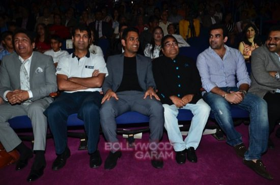 MS Dhoni and Zaheer K_positive health awards-9