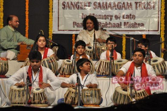 Madhuri and husband attend children performance-2