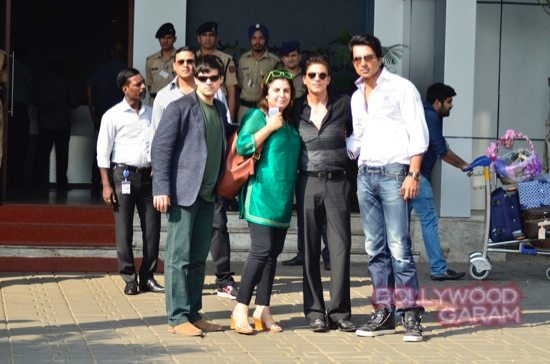 SRK at airport with HNY team-5
