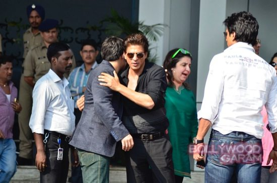 SRK at airport with HNY team-7