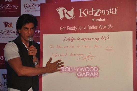 Shahrukh khan_kidzania children's day-10