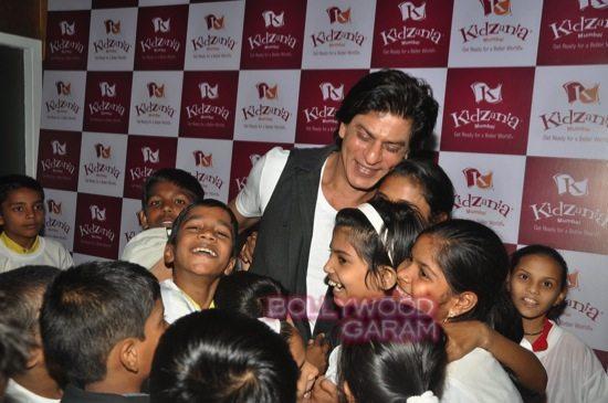 Shahrukh khan_kidzania children's day-19