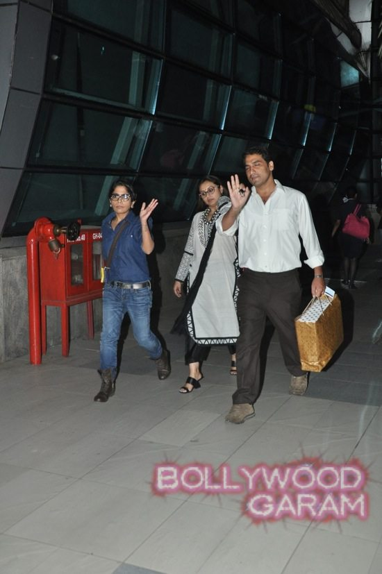 Stars at the airport-2